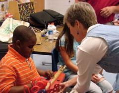Picture of Lorinda Jones teaching